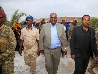 Sawirro: Madaxweynaha Deni oo lagu soo dhoweeyey Bosaso kana hadlay Caleemasaarkii Axmed Madoobe (muuqaal)